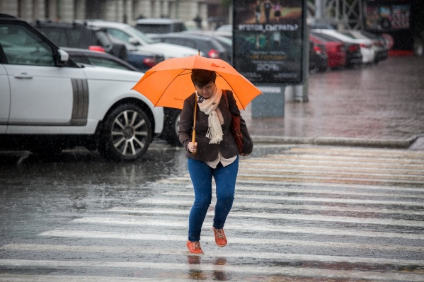 29 сентября в Новосибирске с утра идет проливной дождь
