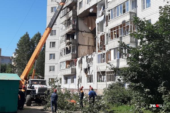 Взрывом вынесло квартиры второго подъезда