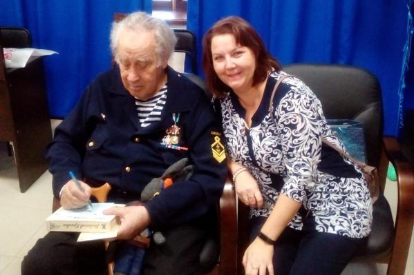 Елена Бланд впервые прочла книгу Владислава Крапивина в 9 лет, с тех пор она влюбилась в его произведения