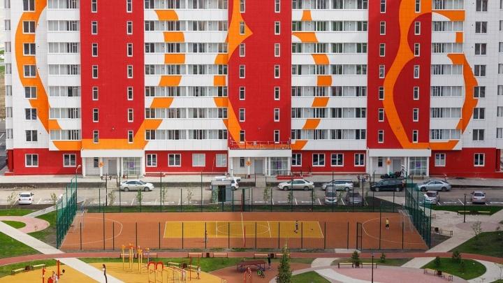 Эти фасады сводят с ума иностранцев: новые дома стали украшать типичным сувениром из России