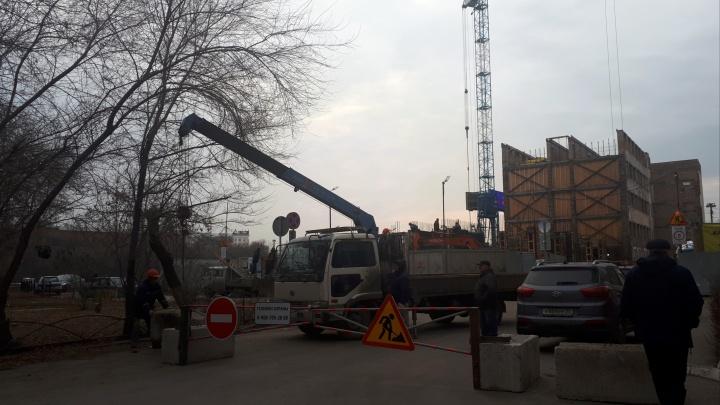 Улицу Щербанёва перекрыли из-за строительства гостиницы