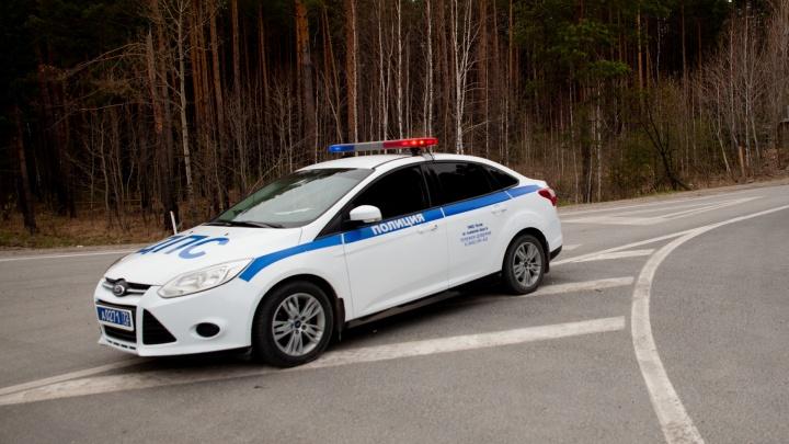 Двух инспекторов тюменской ГИБДД осудили за вымогательство взятки в 30 тысяч рублей