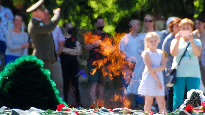 Курсанты и пустота: репортаж с очень странного празднования 9 Мая в Челябинске