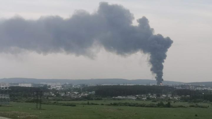Открытый огонь ликвидирован: всё о пожаре на заводе в Екатеринбурге