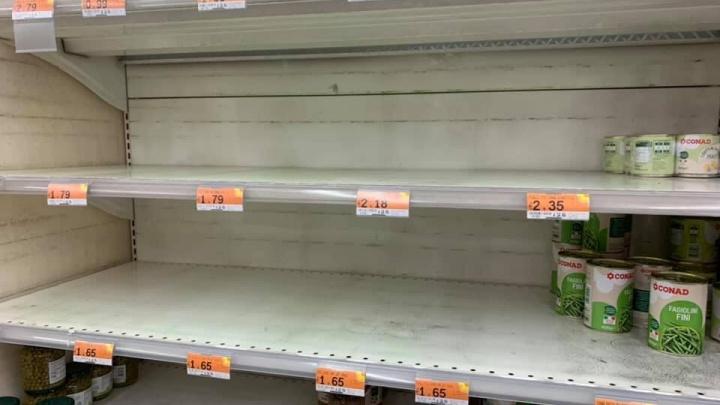 Истерия в супермаркетах, пустые школы, закрытые церкви. Сибиряки — о том, что творится в охваченной паникой Италии
