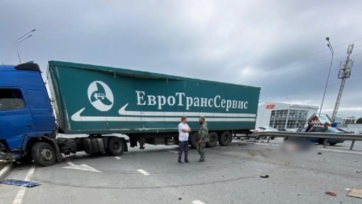 Водитель фуры, который попал в смертельное ДТП на тюменской объездной, был пьян