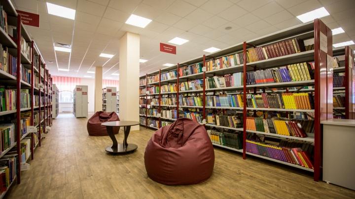 «От 10 скандалов в день». Библиотекарь — о работе в пандемию и школьниках, которые не сидят дома
