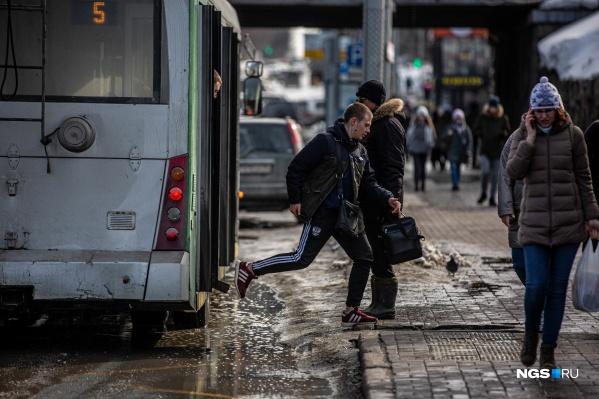 Поездка в общественном транспорте весной — настоящее приключение