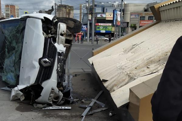 Водитель пострадал, его доставили в больницу