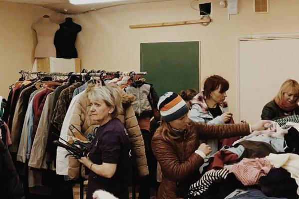 У «Территории семьи» есть свой социальный склад. На нем можно бесплатно взять вещи для себя и своей семьи