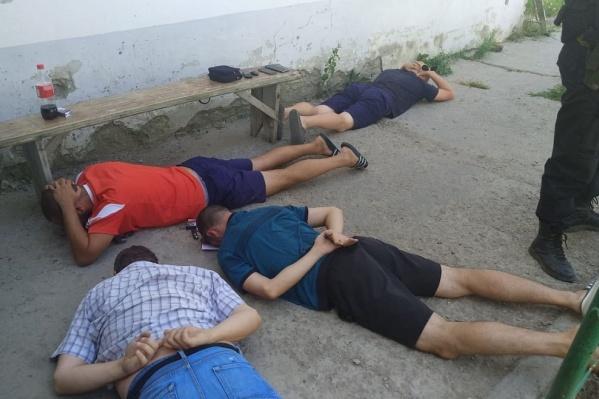 Вымогателей задержали при поддержке спецназа