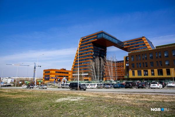 Предприниматели из Технопарка обнаружили, что в обновленном генплане Новосибирска их научно-производственный квартал оказался общественно-деловым. Они выступили против, потому что не смогут развиваться