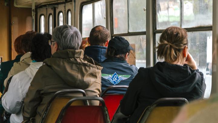 В дептрансе Самары рассказали, почему в трамваях до сих пор не включили отопление