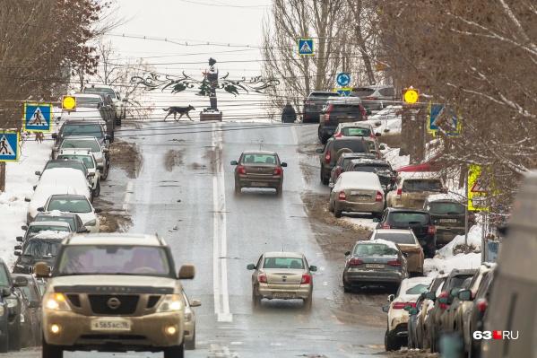 Платные парковки сделают на 48 улицах