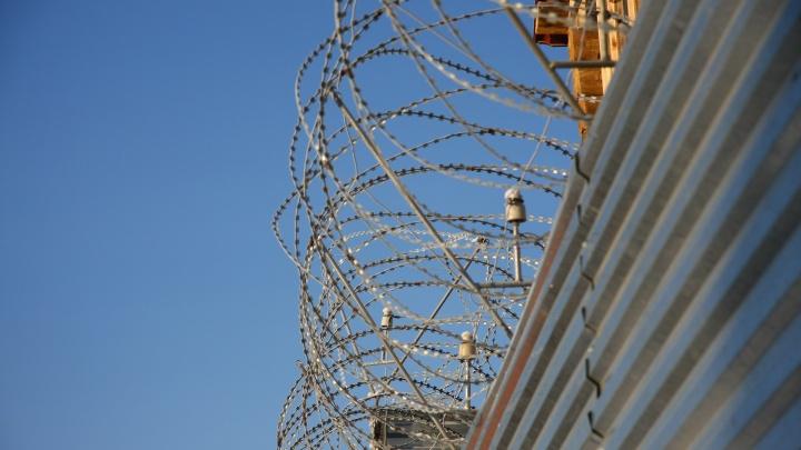 В кузбасской тюрьме один осужденный забил до смерти другого. А судить будут сотрудников колонии