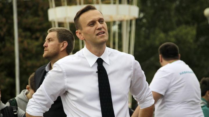 Алексея Навального госпитализировали в омскую больницу с отравлением