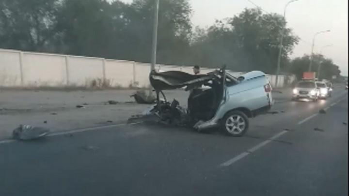 «Машину буквально разорвало на части»: волгоградец попал в страшную аварию на севере города