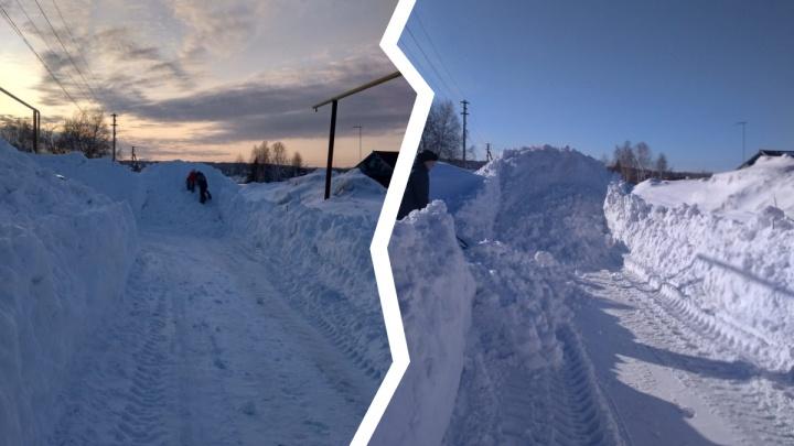 Под Новосибирском посреди дороги сделали снегоотвал. Жителям приходится лезть на гору, чтобы перейти улицу