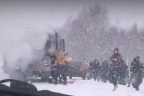 Автобус потушили без участия пожарных