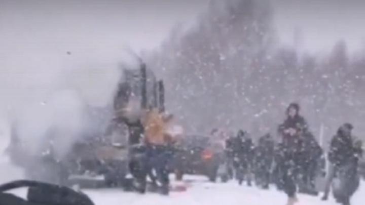 На трассе в Прикамье загорелся рейсовый автобус