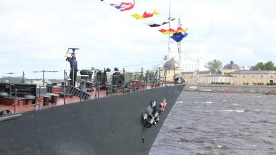 День ВМФ в Архангельске: смотрите парад судов и слушайте оркестр в стриме 29.RU