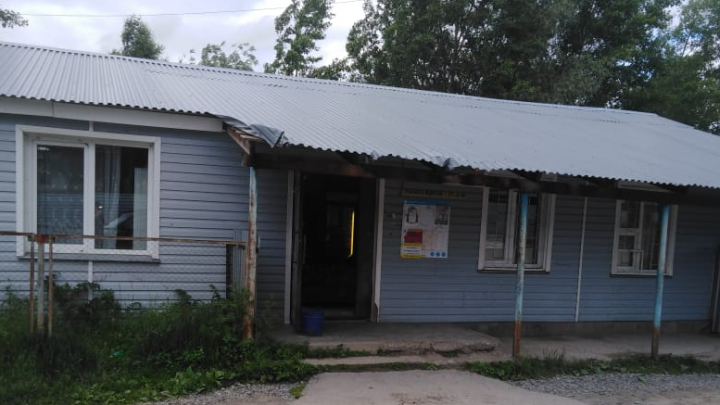 Новосибирец получил пулю в живот, пытаясь разнять конфликт у магазина в Раздольном