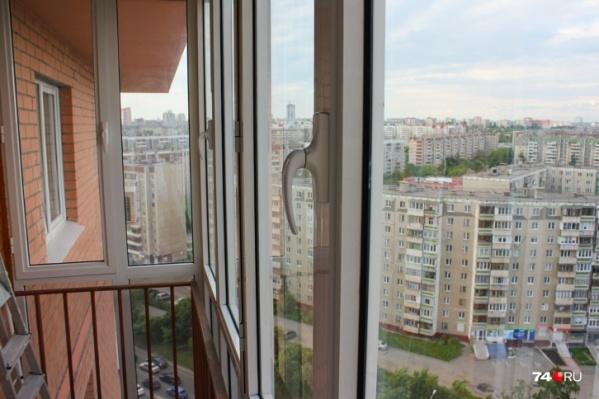 По предварительной информации, ребёнок сам открыл окно, которое стояло в режиме проветривания