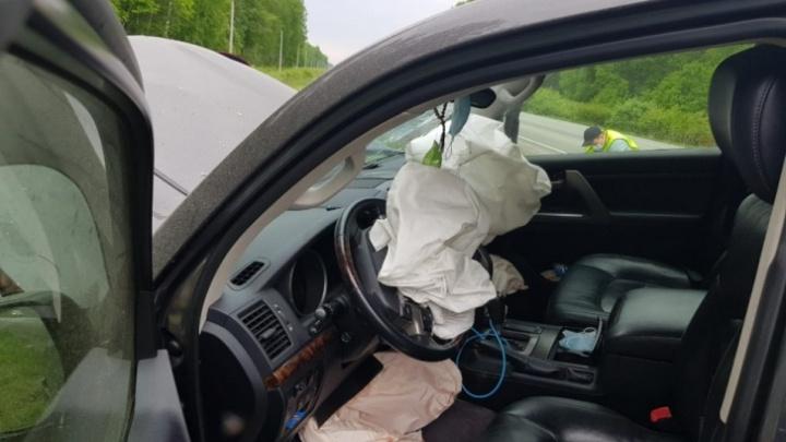 На Южном Урале погиб водитель-бесправник, вылетевший на встречку. Ещё три человека попали в больницу