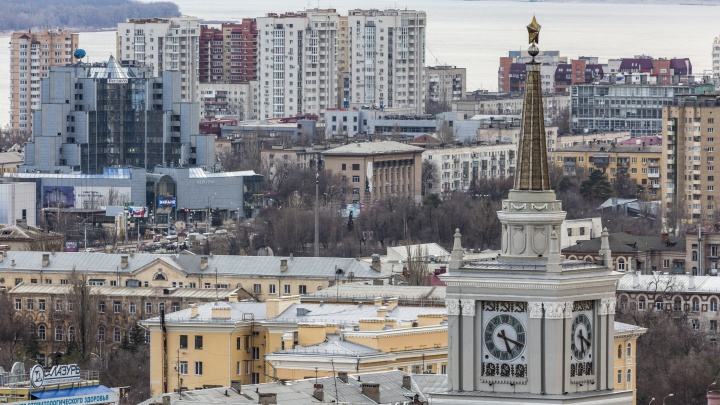 «Можем вернуть время, даже если закон подпишет президент»: в Волгограде противники перевода часов штурмуют суды