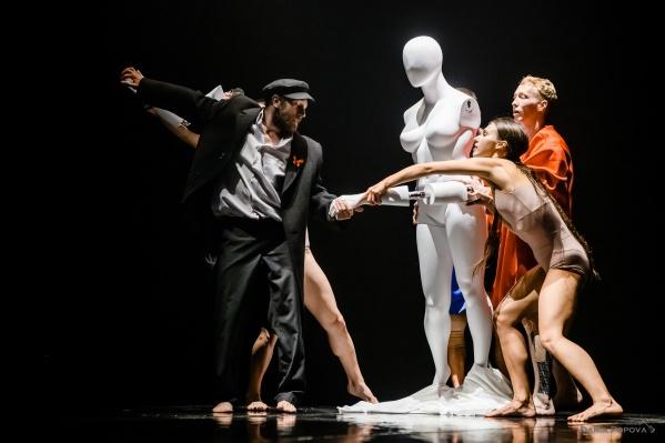 Театр «Провинциальные танцы» покажет на этой неделе свою новую постановку