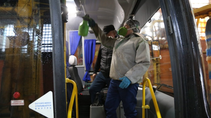 Водителей общественного транспорта в Башкирии обязали носить маски