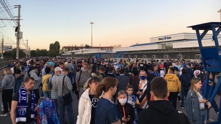 «Наплевательское отношение»: в Волгограде «Ротор» и Роспотребнадзор обвинили друг друга в срыве матча