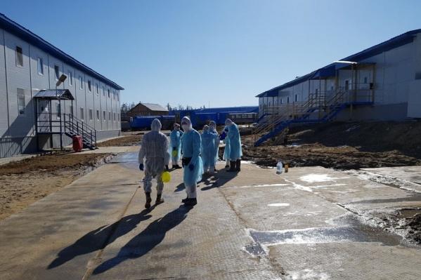 Поселок, в котором живет пермский вахтовик, сейчас регулярно обрабатывают дезинфицирующими средствами