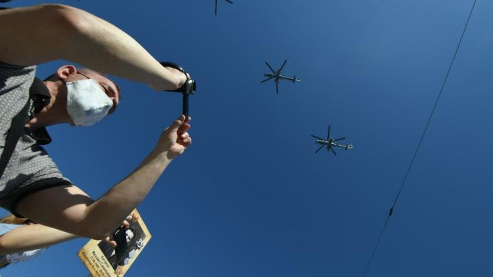 Екатеринбург впервые праздновал 9Мая в режиме самоизоляции: 40главных кадров