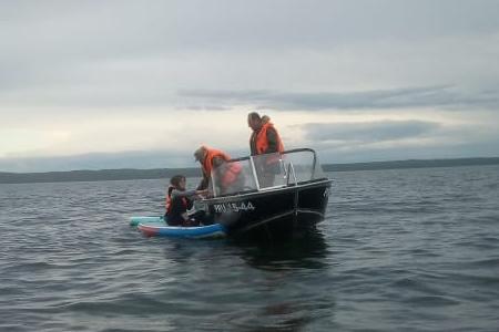 Сап-сёрфингистов унесло на 4 километра от берега