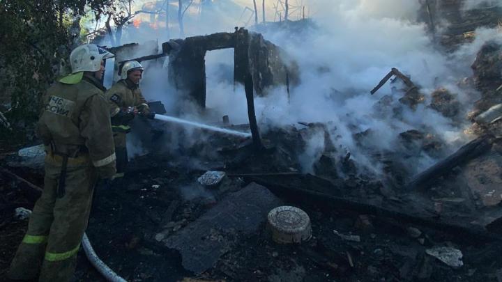Сильный пожар повредил рыбацкие трущобы Таганрога — Богудонию