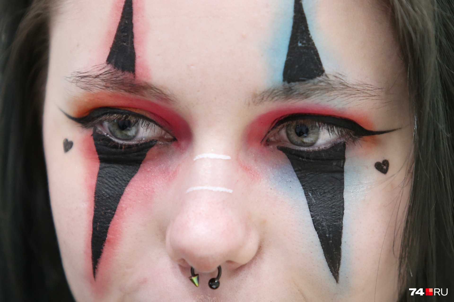 Эпатажный макияж — фишка юной звезды TikTok