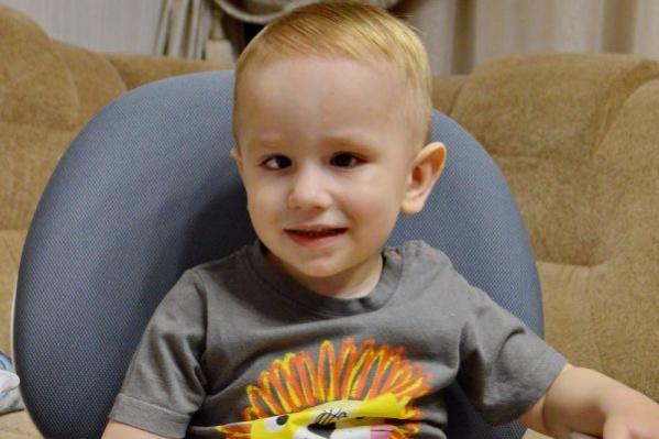 Савелию три года, он очень активный мальчик