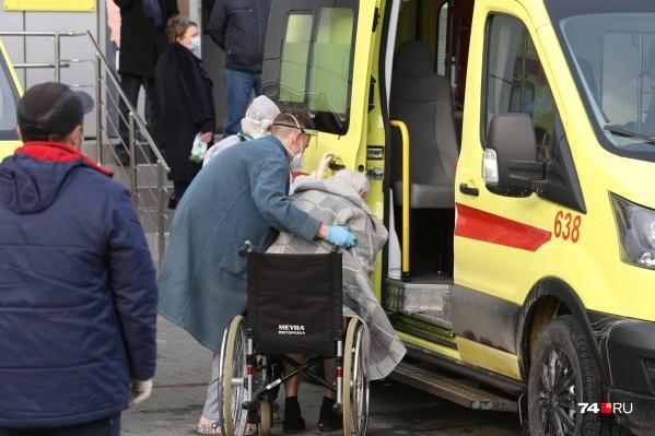 Пациентов эвакуировали в спешке — сначала увозили самых тяжёлых