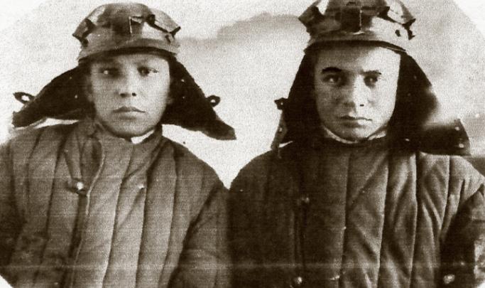 «Если б не комсомольский билет, я не выжил бы тогда»: история подростка, уцелевшего в войну на поле боя