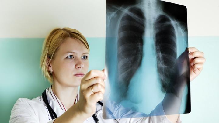 «Даже после поражения легкие можно восстановить»: врачи — о реабилитации после пневмонии