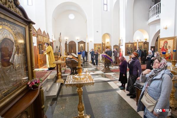 Верующих просят не ходить в храмы во время режима самоизоляции