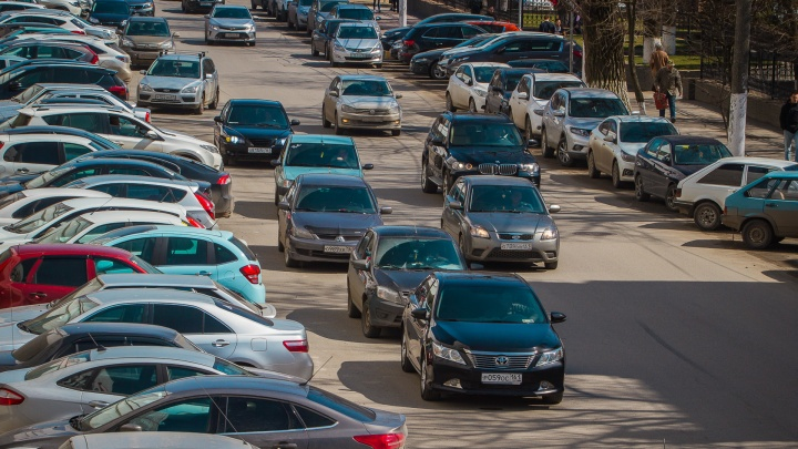Ростовских водителей, не оплативших парковку, начнут штрафовать с 12 марта