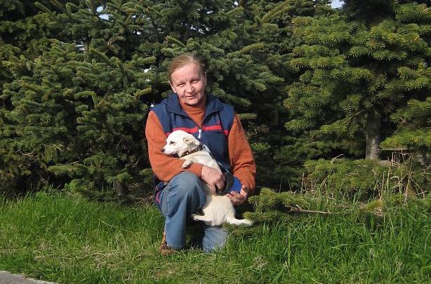 «Собаки бегают, вещи разбросаны по дороге»: погибшая в ДТП на Троицком была зоозащитницей