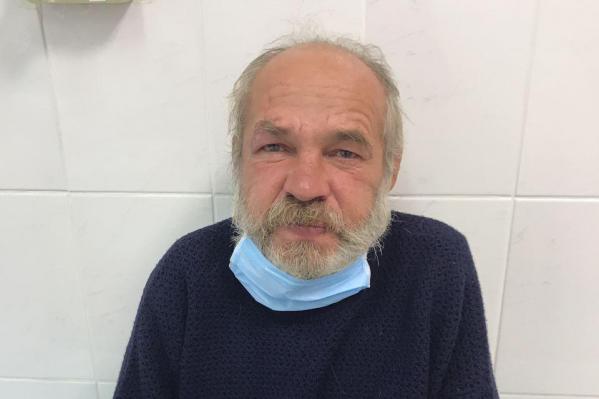 Мужчина сейчас в реабилитационном центре, но позже, возможно, его разместят в центре для бездомных