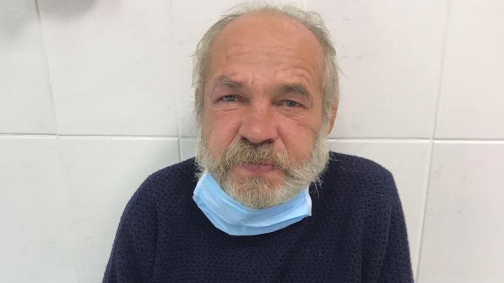 В Тюмени ищут родных мужчины, которого привезли в больницу после приступа эпилепсии