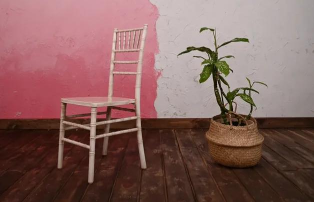 Как всего лишь один стул может спасти любое мероприятие от провала