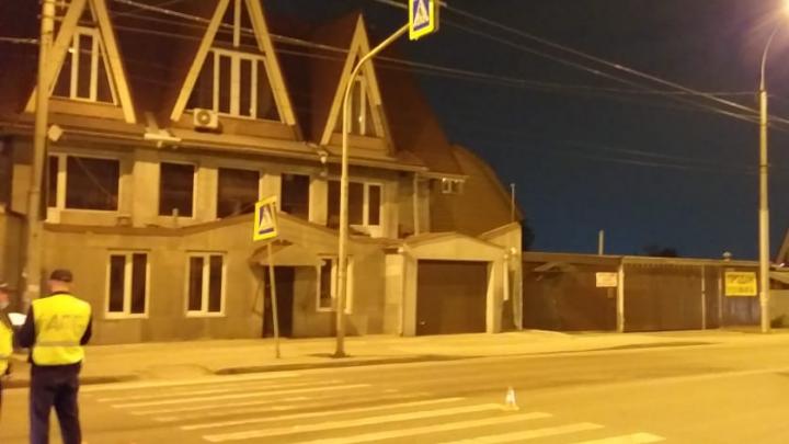 В Октябрьском районе Renault Logan сбил 17-летнего парня. Пострадавшего увезли в больницу