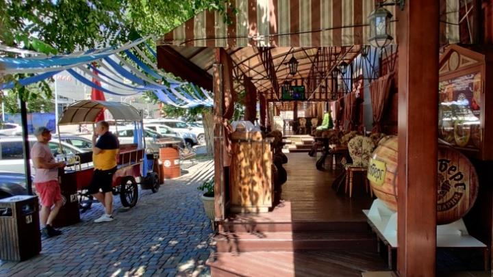 Летние кафе с верандой в Волгограде: где посидеть на свежем воздухе после трех месяцев ограничений