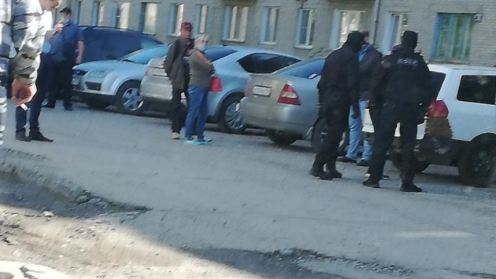 «Открыли, повалили, наручники надели»: в Куйбышеве СОБР задержал участника ДТП с пьяным начальником ГИБДД